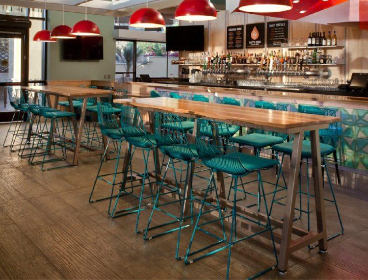 ghế bar chân sắt màu xanh