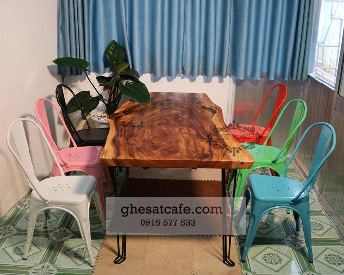 bàn ghế cà phê sắt đẹp nhiều màu