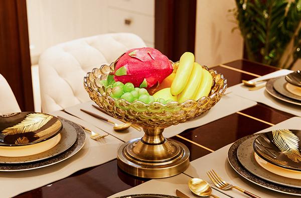 trang trí bàn ăn bằng hoa quả