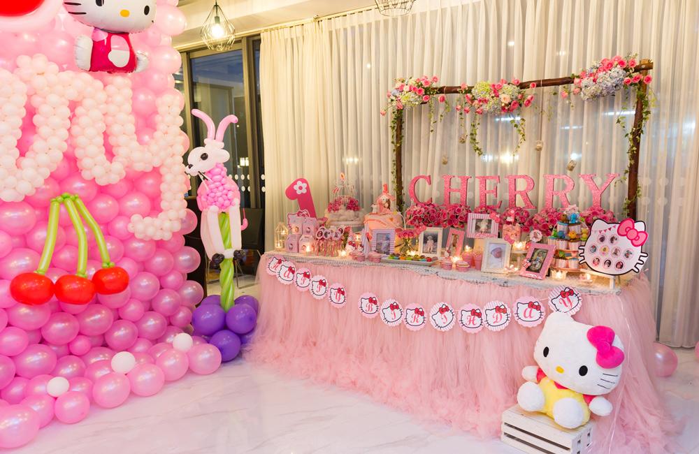trang trí bàn ăn tiệc sinh nhất cho bé gái