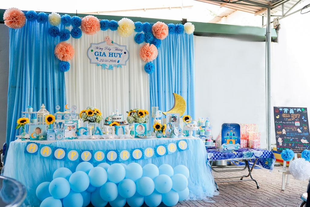 trang trí bàn ăn tiệc sinh nhất cho bé trai