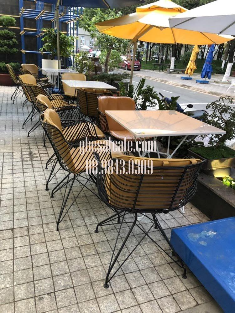 ghế sắt cafe sân vườn