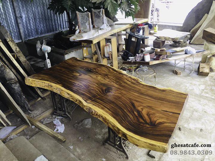 mẫu bàn gỗ nguyên tấm đẹp (1)