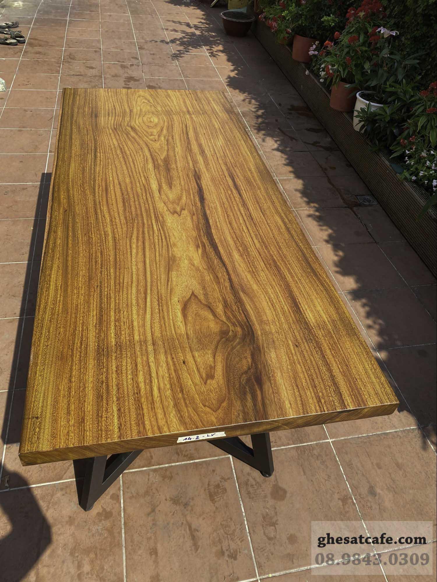 mẫu bàn gỗ nguyên tấm đẹp (10)