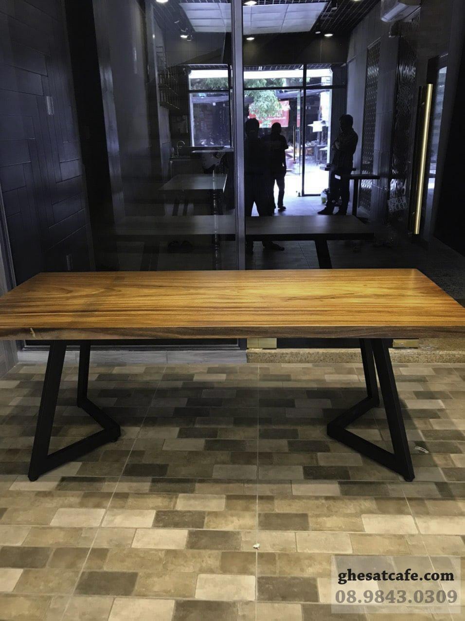 mẫu bàn gỗ nguyên tấm đẹp (4)