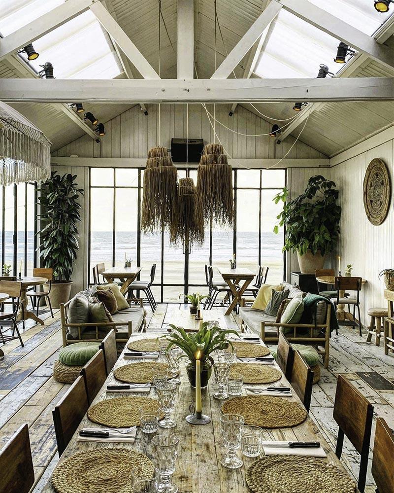 cách trang trí quán cafe phong cách coastal